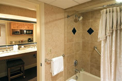 2 bedroom suites in lancaster pa country inn suites amish country hotels amish country hotel lancaster pa