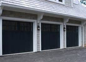 Painting Garage Door Black by Best 25 Black Garage Doors Ideas On
