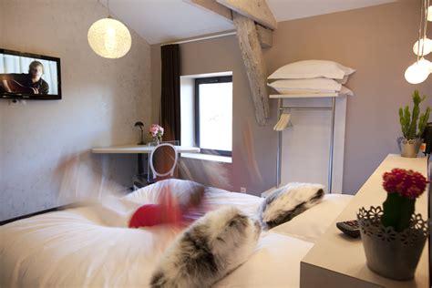 chambre des m騁iers villefranche les fleurines en images h 244 tel et appartements