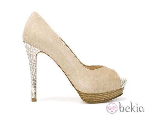 zapato color nude zapatos de tac 243 n de zara en color nude zapatos en tono