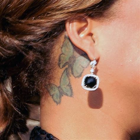 queen tattoo on neck queen latifah butterfly neck tattoo steal her style