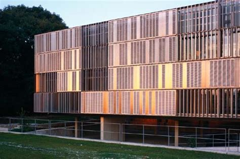 Horizontale Fassade by Lindberghatelier Muenchenarchitektur