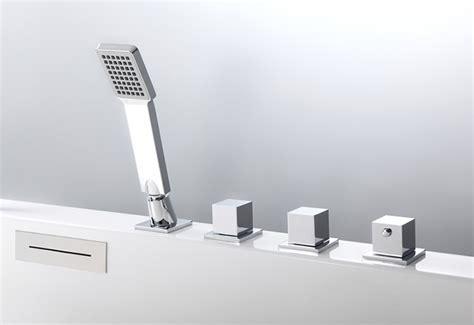 robinetterie baignoire balneo robinet pour baignoire balneo