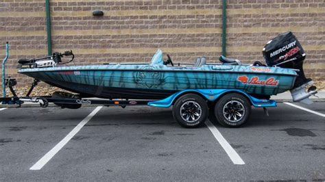 bass cat boat wrap elite anglers show off 2017 boat wraps bass cat wraps