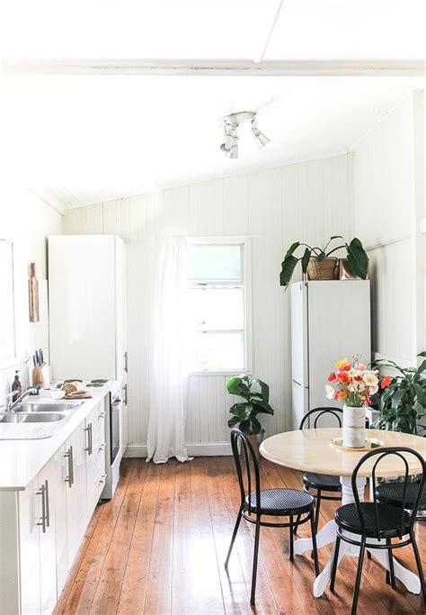 apartment kitchens best 25 small apartment kitchen ideas on tiny