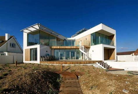 modern beach homes modern beach house in east sussex with glass and timber