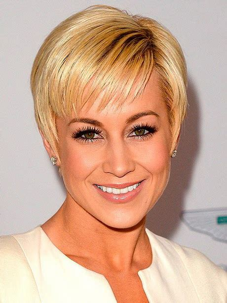 cute short haircuts for women in their 30s 20 simple easy pixie haircuts for round faces short
