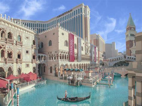 Best Hotel To Stay In Las Vegas Venison Hotel In Las Vegas 2018 World S Best Hotels