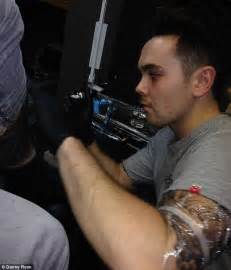 harry styles tattoo derby x factor s ray quinn signs autograph on leg of celebrity