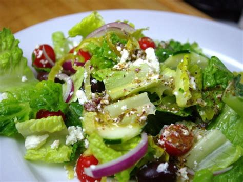 easy salad fast easy and inexpensive greek salad with homemade