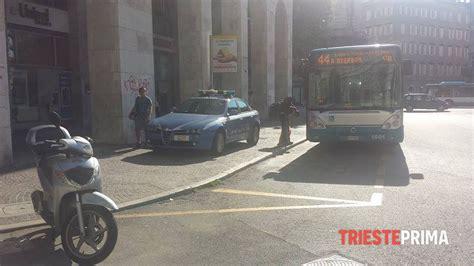 banca trieste rapina all unipol banca di piazza oberdan