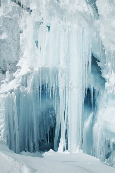 biggesy iclecles big icicle stock photography image 1323592