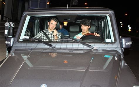 the jonas brothers dinner in the g wagon cars