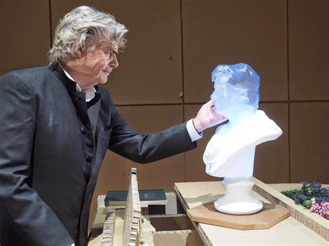 3d printing in the theatre austria s most theater has 3d printed glowing bust created of actor