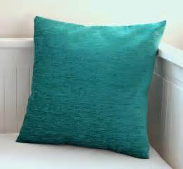 teal colored pillows teal home decor decorating ideas