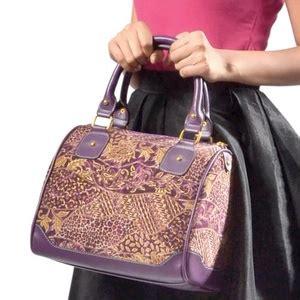 tas batik ungu lianny hendrawati