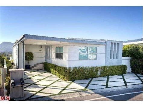 million dollar homes in malibu saw s betsy s 2 million dollar manufactured home a