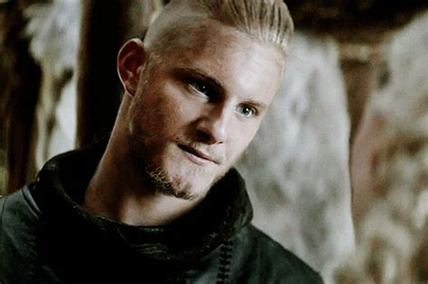my gifs g vikings ragnar lothbrok vikingsedit bjorn vikings gif find share on giphy