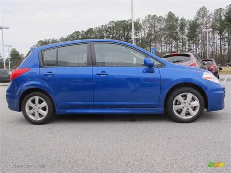 nissan versa blue metallic blue 2012 nissan versa 1 8 sl hatchback exterior