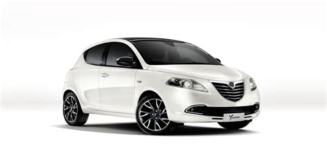 lancia new ypsilon updated pictures