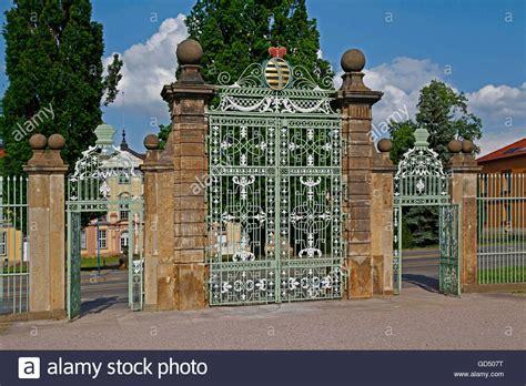 garten kaufen gotha eisernes tor eingang zum barocken garten und orangerie