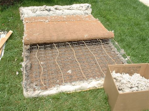 Recycle Mattress And Box by Recycling A Mattress And Box Trashmagination