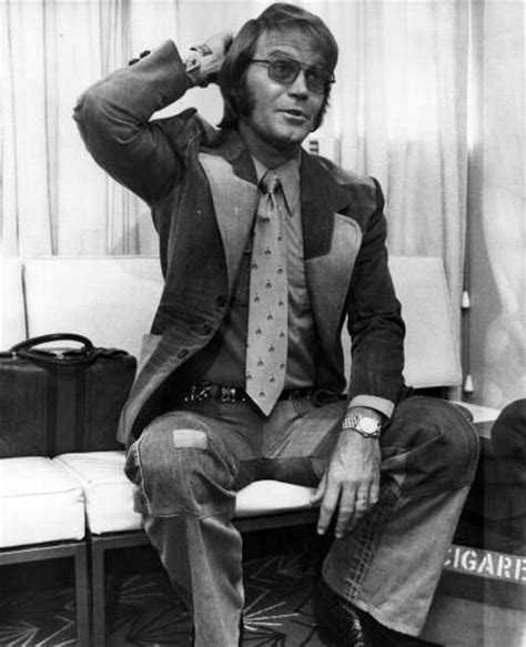 country music singer glen cbell pin by cielito pascual on 70s look book pinterest