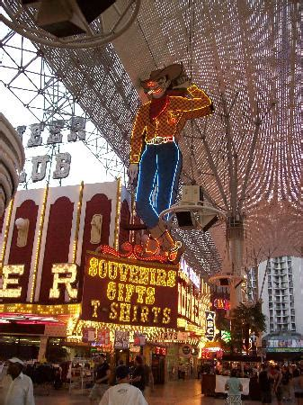 spray paint las vegas fremont spray paint picture of fremont experience