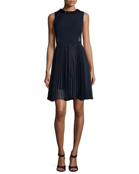 sleeveless pleated skirt combo dress in
