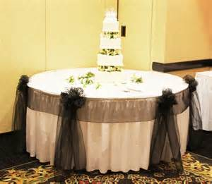 Black And Gold Centerpieces Chicago Cake Table Decoration Weddingbee Photo Gallery