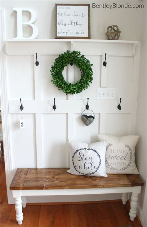 small entry ideas 25 best ideas about entryway coat hooks on