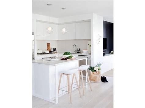ricci casa sgabelli 10 buoni motivi per scegliere gli sgabelli in cucina