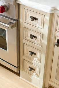 Kitchen Cabinet Hardware Ideas by 60 Inspiring Kitchen Design Ideas Home Bunch Interior