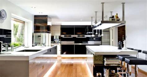 professional home kitchen d 233 co cuisine en bois massif suspensions originales et sol