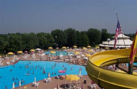 piscine le cupole parco acquatico cupolevillage di manerbio