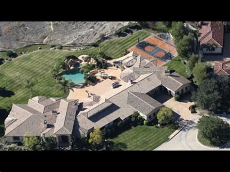 mariah carey dog house mariah carey james packer the oaks mansion doovi