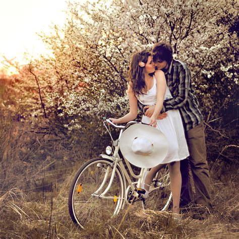 themes love and kiss cute kiss pictures
