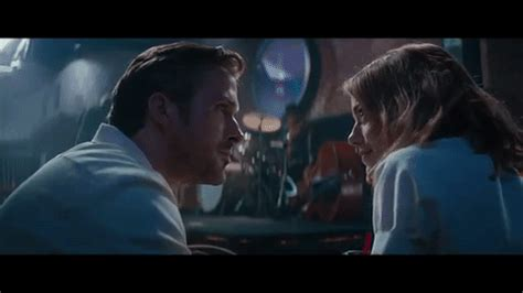 blue trailer gosling la la land trailer fall in with gosling and