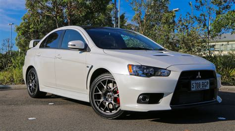 mitsubishi evo 2016 white 2016 mitsubishi evolution edition review chasing cars