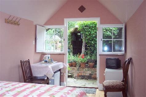 cathedral cottage winchester cathedral cottage bed and breakfast winchester b b