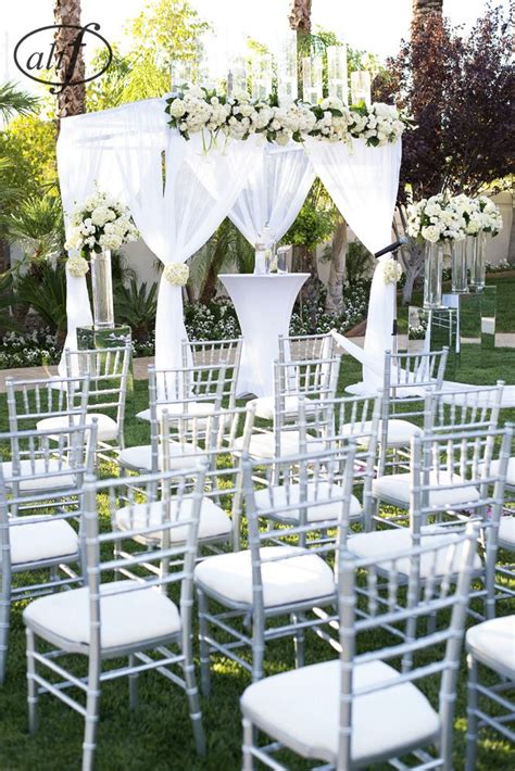 backyard wedding ceremony 25 best ideas about small backyard weddings on