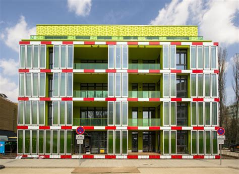 Design Store Moss Opens In La by The World S Algae Powered Building Opens In Hamburg