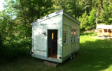 New Tour Of Elizabeth S Tiny House That S At Yestermorrow Yestermorrow Tiny House