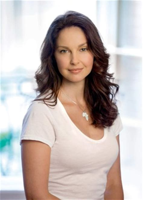 ashley judd bra size age weight height measurements celebrity ashley judd bra size measurements height and weight
