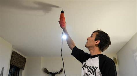 faire un trou dans du verre 5114 l astuce pour percer un trou au plafond sans que la