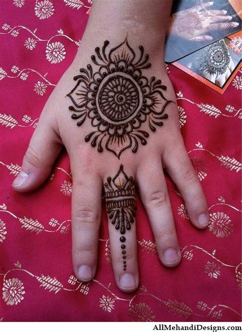25 best ideas about kids mehndi design on pinterest 1000 cute mehndi designs for kids beautiful henna pattern