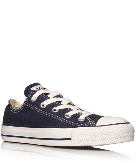 Converse Low Klasik Navy lyst converse navy chuck all low trainers in