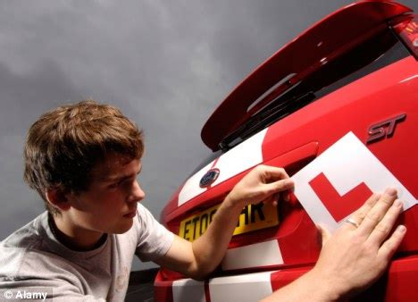 Let L drivers start driving on the road from age 16 to cut