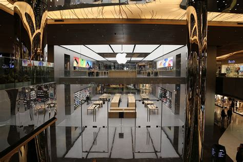 designboom store foster partners completes istanbul s first apple store