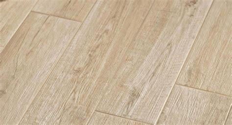 piastrelle effetto legno per esterni gres per esterni effetto legno fabulous pavimenti per